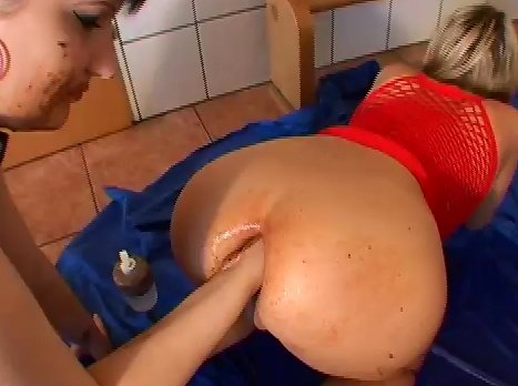 Kotzgirl - Isabelle and Louise Hunter - Screen 5