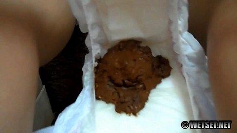 Messy Diaper 2 (HD-720p) Picture 2