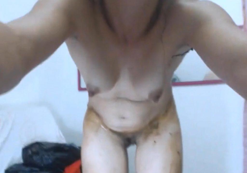 Teen scat play on webcam in HD 950p - Image 3
